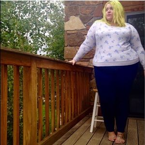 Old Navy Gray and Blue Floral Crewneck XXL